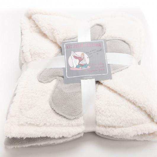 Plaid uni taupe, effet relief damier, tout doux - Amadeus - 130x170cm.